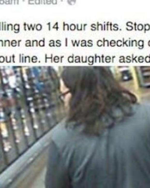 Man's Grocery Store Encounter With Crying Mother Takes Surprising Turn (Photo) Promo Image