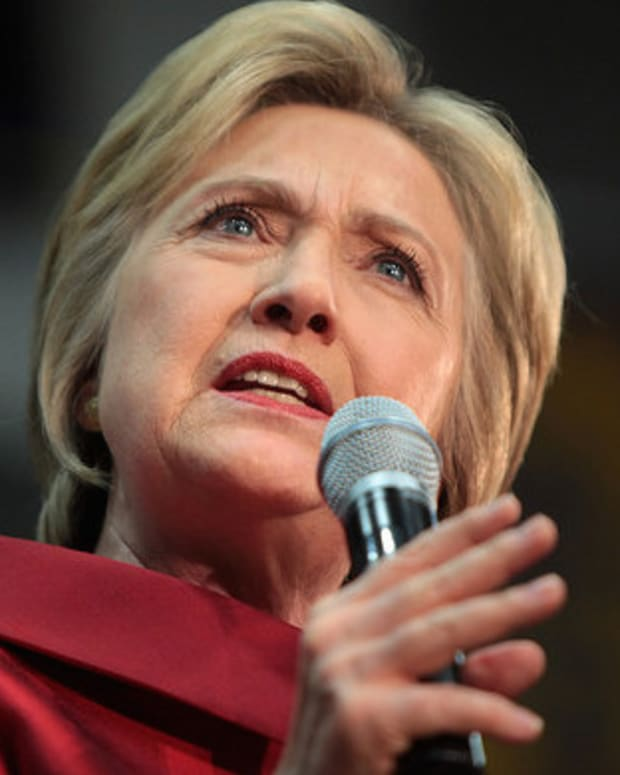 Clinton Super PAC Pledges $1M To Reply To Online Users Promo Image