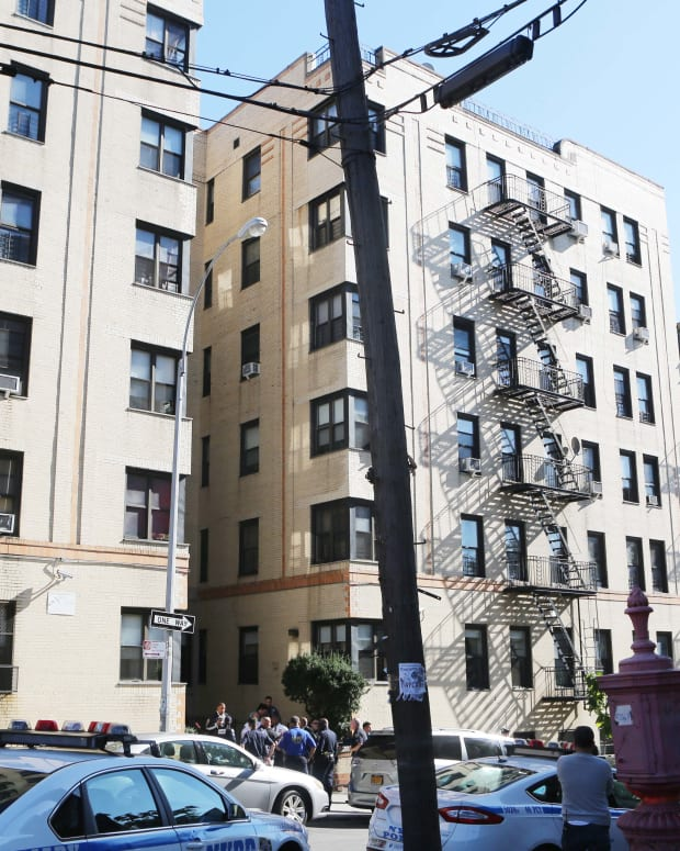 apartment building where Tenisha Fearon allegedly threw baby out of window