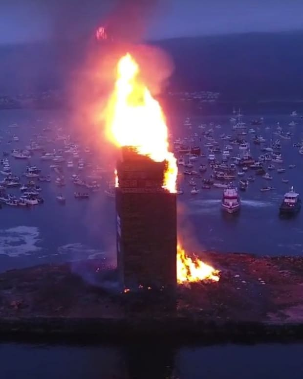 World's Largest Bonfire In Norway (Video) Promo Image