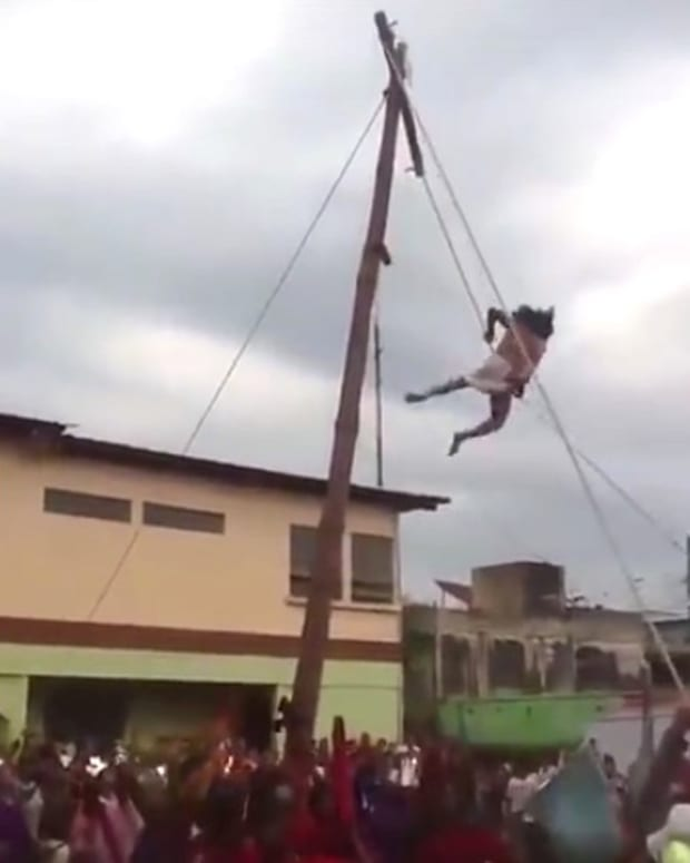 Recreation Of Jesus' Crucifixion Goes Wrong (Video) Promo Image
