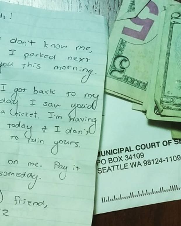 note on driver's windshield from stranger who paid their parking ticket