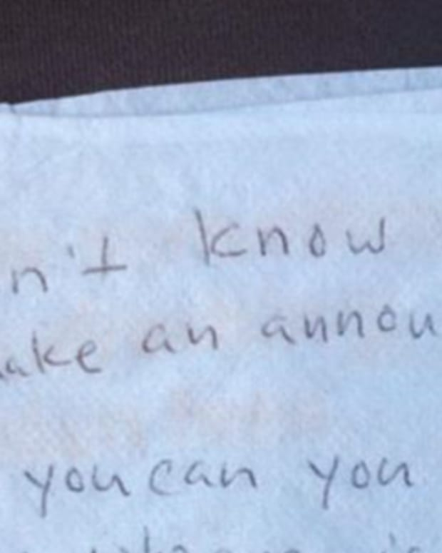 note that upset passenger handed to flight attendant