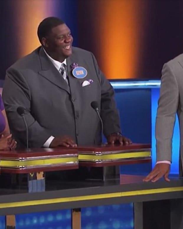 Family Feud Answer Leaves Steve Harvey Speechless (Video
