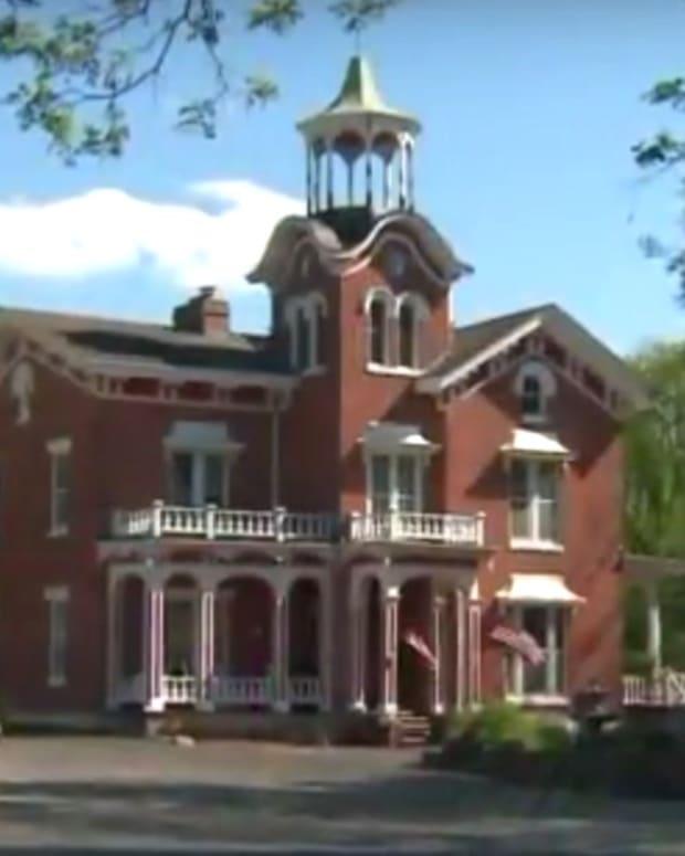 Couple Says Venue Refused Non-Religious Wedding (Video) Promo Image