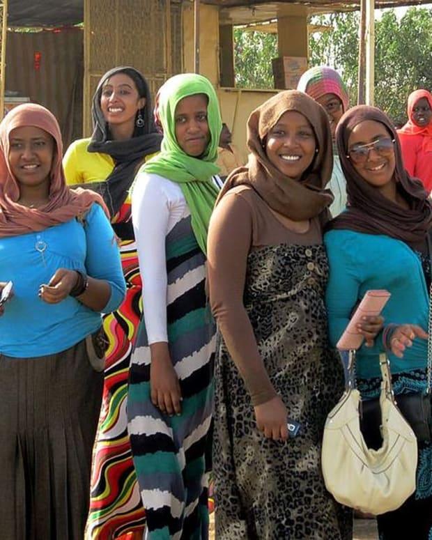 SudanesewomenWiki.jpg