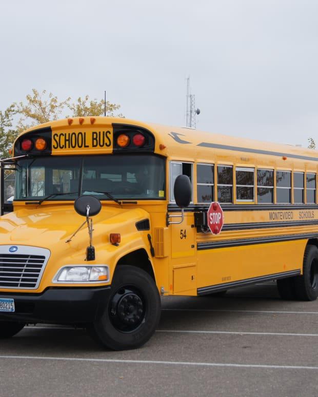 schoolbus1.jpg