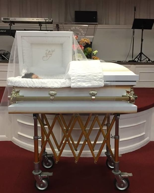 Funeral Director's Facebook Post Goes Viral Promo Image