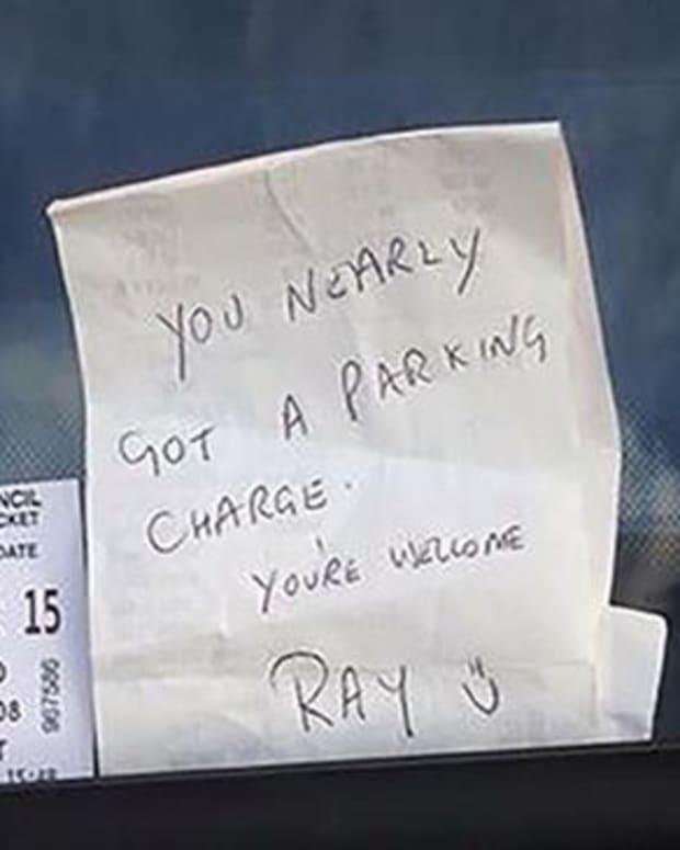 note that Ray Thorpe put on stranger's car