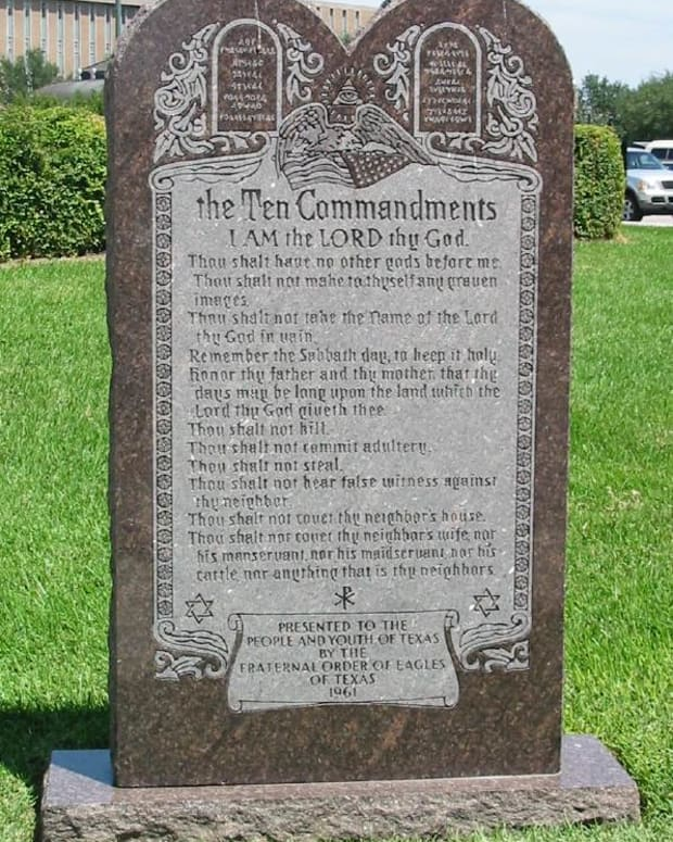 Ten_Commandments_Monument.jpg