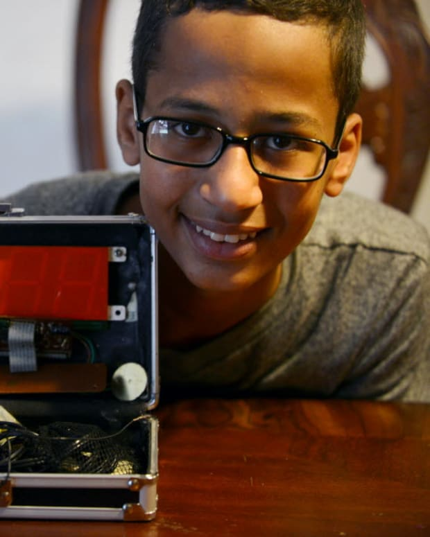 Young Ahmed Mohamed Who Was Infamously Arrested For His Clock