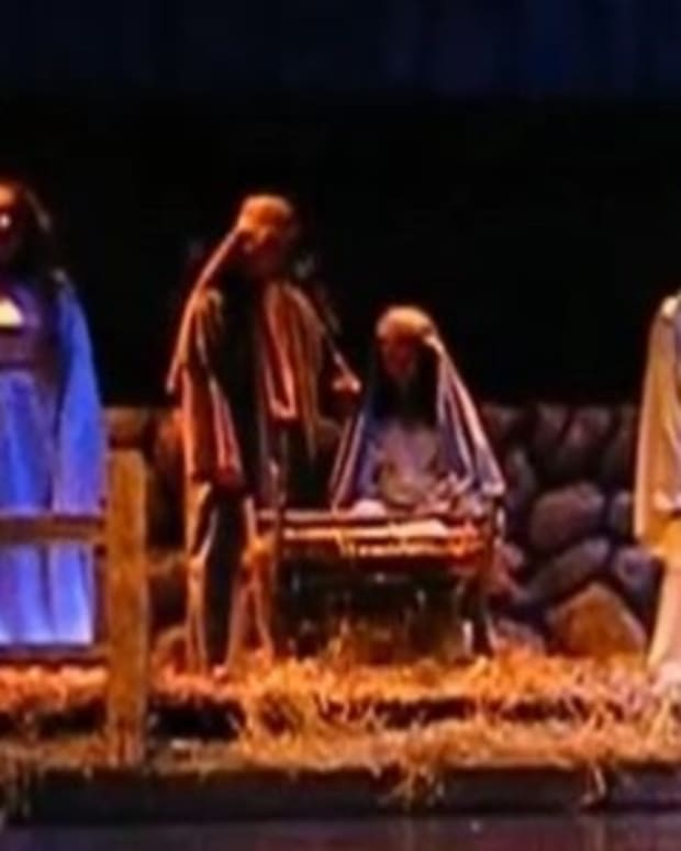 School, Atheist Group Battle Over Nativity (Video) Promo Image