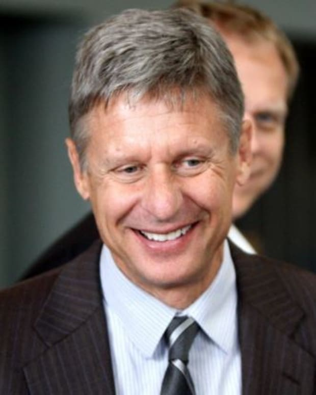 Libertarian Gary Johnson Beats Clinton Among Independents Promo Image