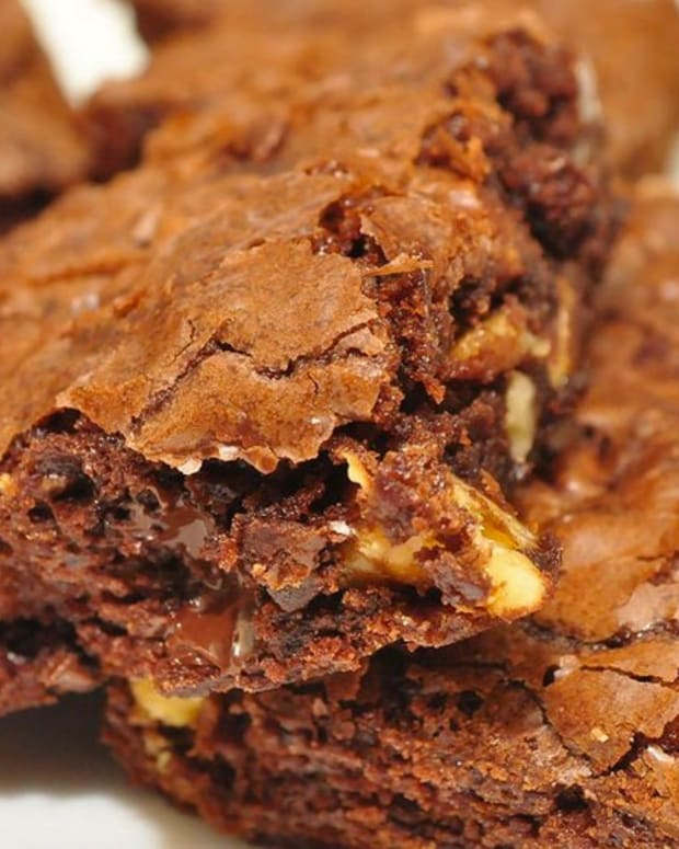 School Calls Cops After 'Racist' Comment About Brownies Promo Image