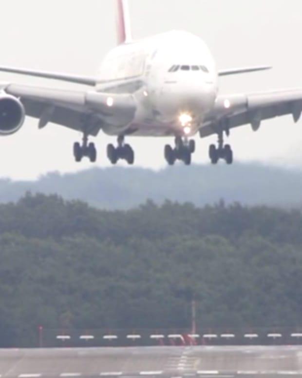 Airbus A380 Landing.