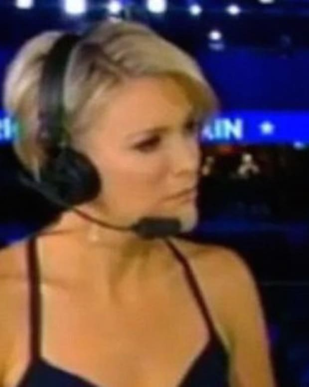 Megyn Kelly Covers Up After Criticism For RNC Attire Promo Image