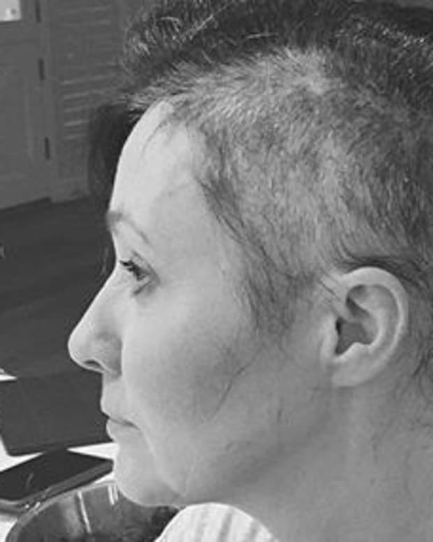 Shannen Doherty Shaves Head During Breast Cancer Battle Promo Image