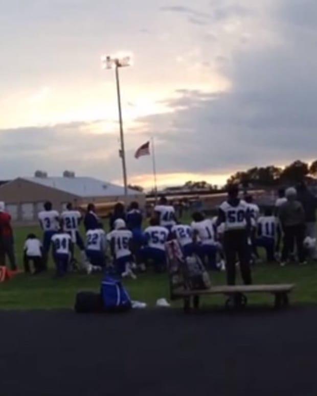 High School Players Follow Kaepernick's Lead (Photos) Promo Image