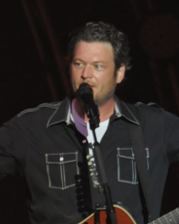 Blake Shelton Under Fire For Deleted Tweets Promo Image