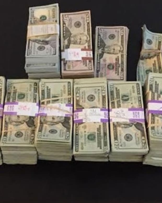Boston Cab Driver Hands In $187,000 Left By Passenger Promo Image