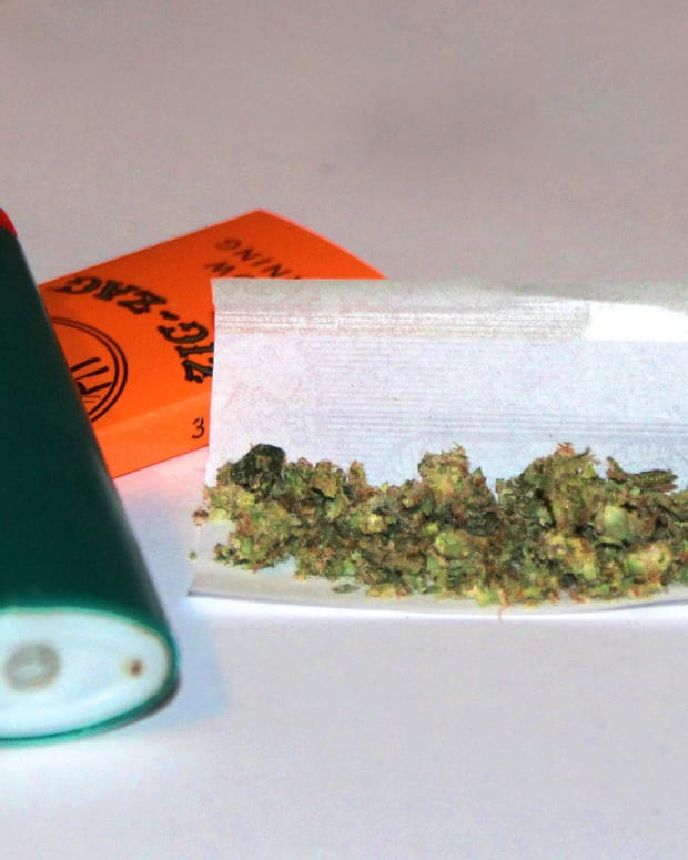 Experts Estimate How Much Pot Is In A Joint Promo Image