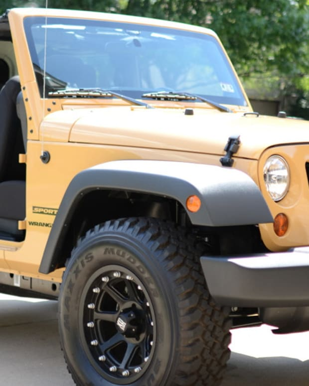 Jeep Drivers Teach Bad Parking Job Guy A Lesson (Video) Promo Image