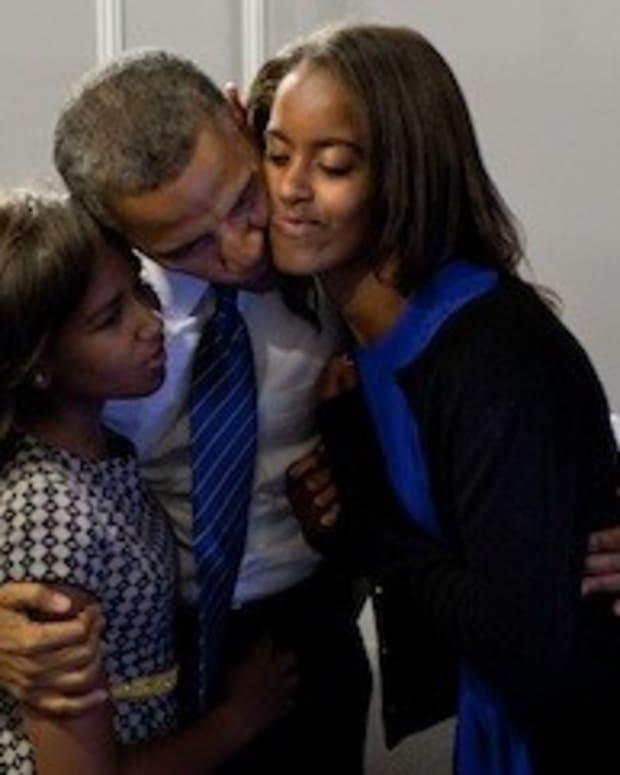 Photo Of Sasha Obama Goes Viral (Photo) Promo Image