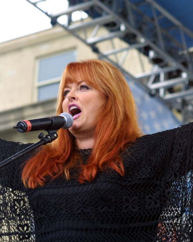 Wynonna Judd Reacts To Sister's Anti-Trump Speech Promo Image
