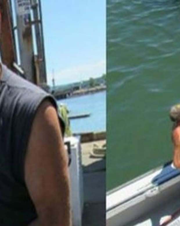 Man Sees What He Pulled Out Of Ocean, Quickly Calls His Wife (Photos) Promo Image