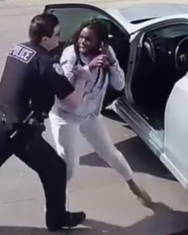 Black Woman Calls 911 On Cop Over Traffic Stop (Video) Promo Image