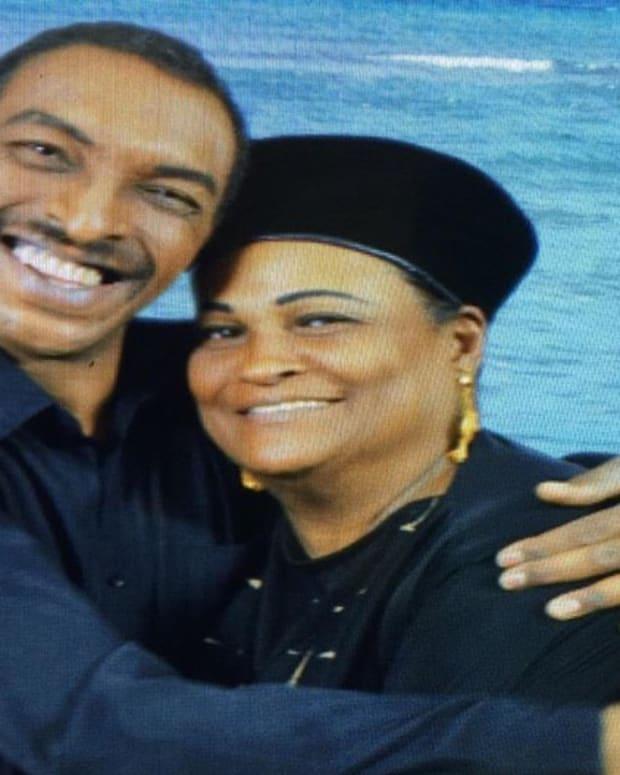 Officials Detain Muhammad Ali's Muslim Son At Airport Promo Image