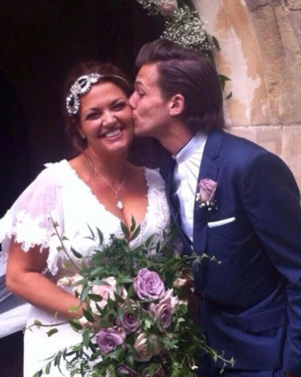 One Direction Star's Mother Dies Of Cancer Promo Image