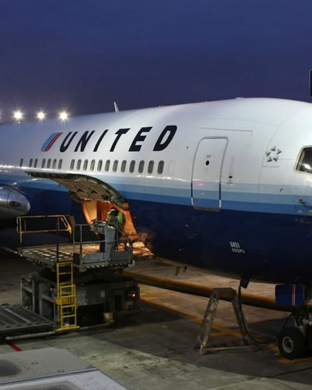 Mom Says United Sent Her Vouchers After She Was Groped Promo Image