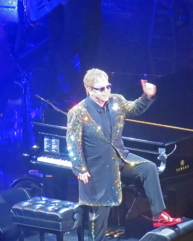 Elton John Contracts Bacterial Infection, Cancels Shows Promo Image