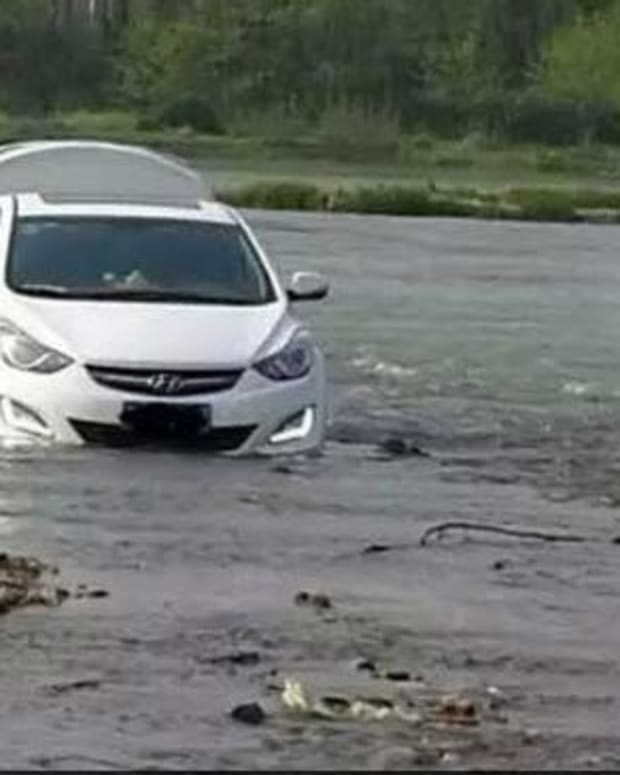 Man Drives Into River Because GPS Told Him To (Photos) Promo Image