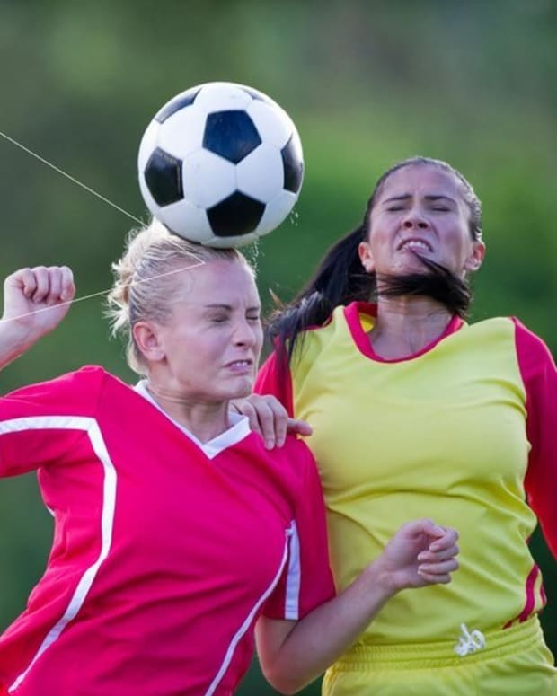 Repeated Soccer 'Heading' Causes Temporary Brain Damage (Video) Promo Image