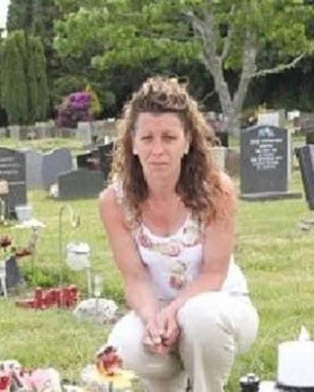 Mother Stunned To Discover Her 4-Year-Old Son's Headstone Was Removed Because A Single Person Complained (Photos) Promo Image