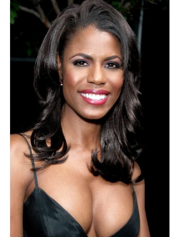 Omarosa Harassed While Shopping With Bridesmaids Promo Image