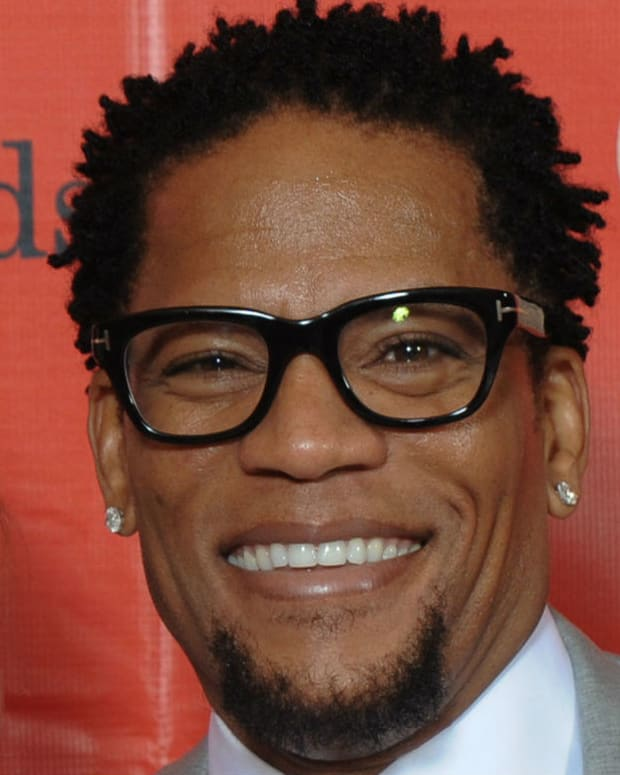D.L. Hughley Under Fire For Joke About Debbie Reynolds Promo Image