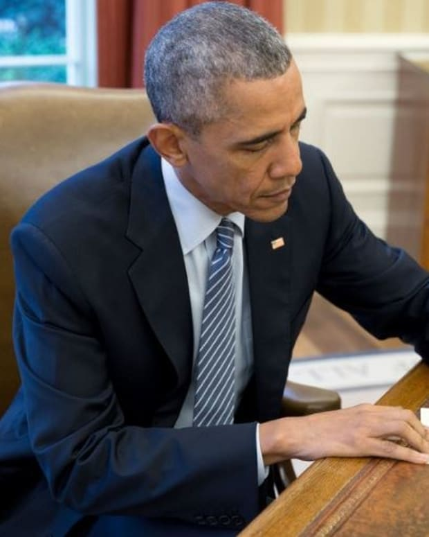Obama Commutes Sentences For 102 Prisoners Promo Image