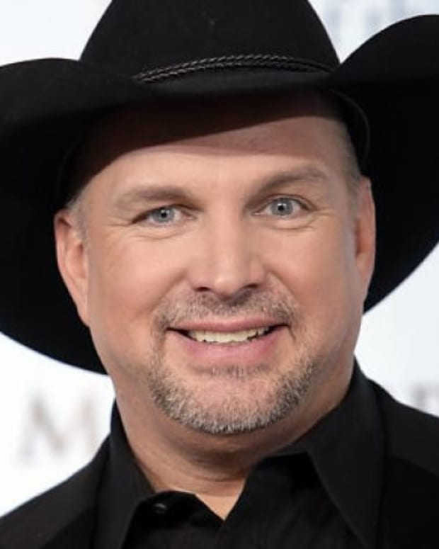 Garth Brooks Says He May Perform At Trump Inauguration Promo Image