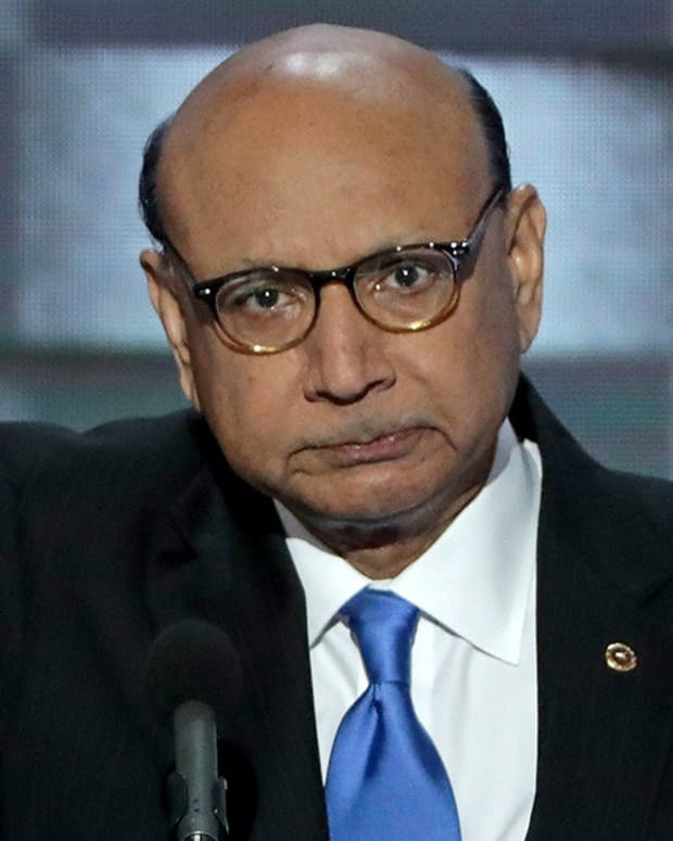 Martinez: Trump 'Absolutely Wrong' To Criticize Khans Promo Image