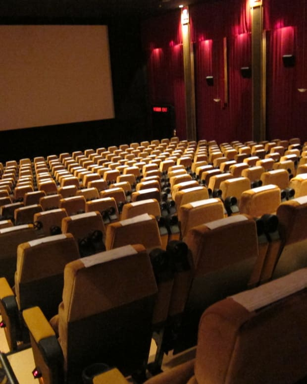 Man Sues Woman For Texting During Movie Date (Photos) Promo Image