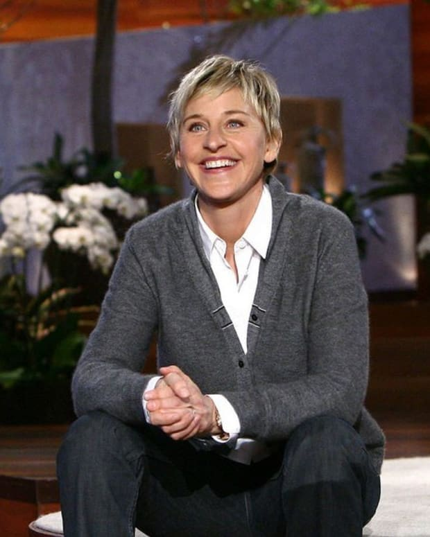 Ellen Presents Scholarships To Whole Graduating Class (Video) Promo Image