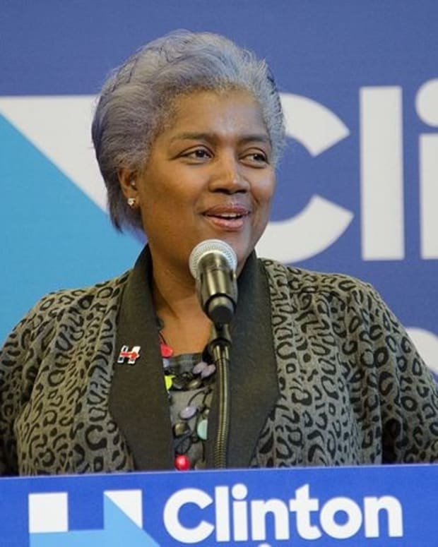 Donna Brazile Admits Sharing Questions With Clinton Promo Image