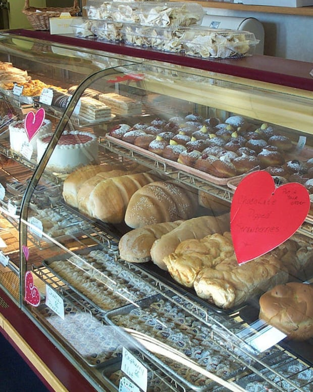 Bakery That Refused To Bake For Lesbian Wedding Closes Promo Image