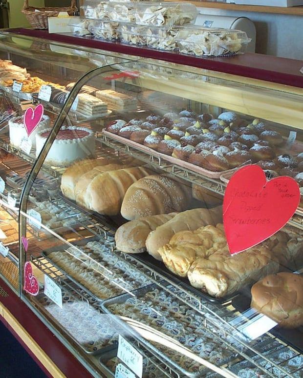 Bakery That Refused To Bake For Lesbian Wedding Closes Promo Image