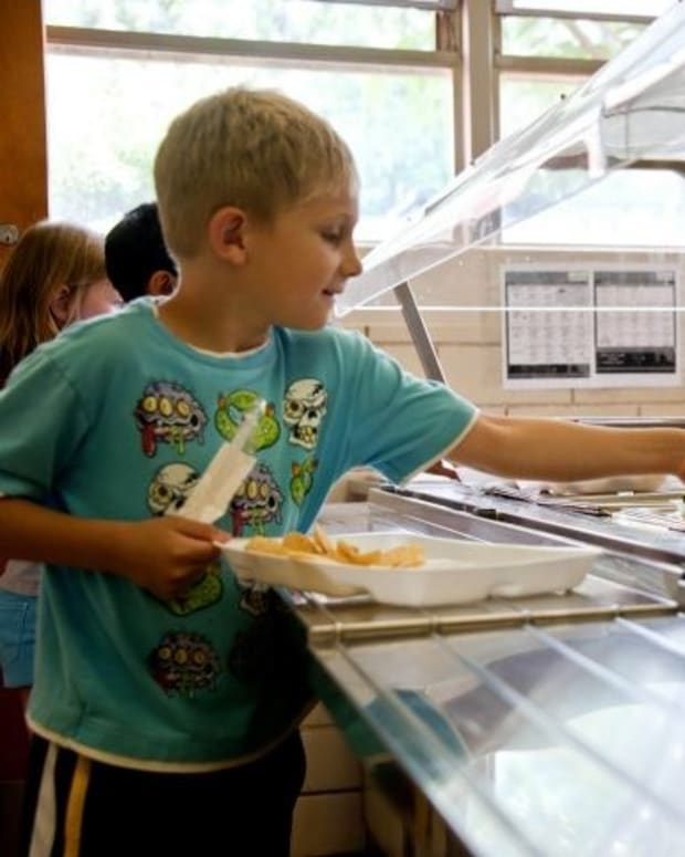 'Disgusting' School Lunch Picture Goes Viral (Photo) Promo Image