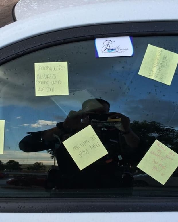 North Carolina Officer Surprised By Notes Left On Car Promo Image