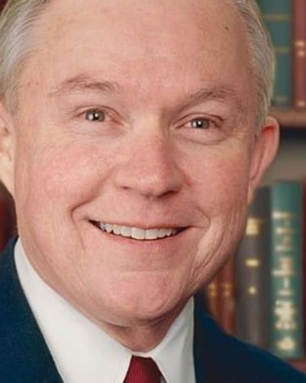 Photo Shows Jeff Sessions With Russian Ambassador (Photo) Promo Image